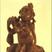 Vers la collection de statuettes ou figurines de bois anciennes de l'Inde: Ces poupées rustiques en bois, toujours en couple, sont offertes aux jeunes mariés pour symboliser et protéger leur union. Elles peuvent aussi prendre la forme d'animaux ou de divinités puissantes et bénéfiques. Elles possèdent des vertus prophylactiques qui s'étendent aux enfants auxquels on les donne : ainsi, pendant qu'ils les manipulent tout en jouant, leur santé est préservée. En cas de maux de tête par exemple, on en râpe le bois tendre sur le sol dans une goutte d'eau, puis on applique la pâte obtenue sur le front, c'est très efficace…
