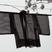 Vers les kimonos (haori) du Japon : Le kimono, littéralement « chose que l'on porte sur soi », est le vêtement traditionnel japonais. Sa coupe en T n'a pas changé depuis des siècles : Dans une bande de tissu on découpe 7 pièces droites pliées et cousues, mais jamais recoupées. Un kimono de qualité représente bien plus que son simple usage : Sa symbolique, la façon de le porter comporte des messages sociaux très précis : le décor change selon l'âge, le sexe, le statut marital, la condition de celui qui le porte, la formalité de l'événement. C'est un objet d'art qui peut se transmettre de génération en génération. La richesse de sa matière en fait un capital, élément estimé de la dot d'une jeune mariée. De nos jours, il a été remplacé par le costume occidental et n'est plus porté que pour les grandes occasions. Mais savoir l'endosser fait partie de la bonne éducation d'une femme. L'enseignement de cet art est en plein essor et les établissements spécialisés prolifèrent.Le prix d'un kimono neuf peut s'élever à plusieurs milliers d'euros, aussi, ces dernières années ont vu naître un engouement pour les kimonos d'occasion. Le haori, vêtement officiel pour toute invitation d'ordre privé, est devenu dès le 17ème une tunique d'extérieur porté sur le kimono par tout le monde sans distinction de sexe ou de milieu, sa longueur dépendant de la mode en vigueur. De même coupe que le kimono, il se ferme devant par des cordons cachés de diverses manières. Encore aujourd'hui, le haori est un vêtement porté par toutes les classes de la société avec tout ce qui est contemporain. Cliquez sur les photos, vous verrez les matières et les doublures. La nuque des femmes est au Japon objet d'érotisme : il est important que le kimono la dévoile dans une discrète mais brûlante mise en scène