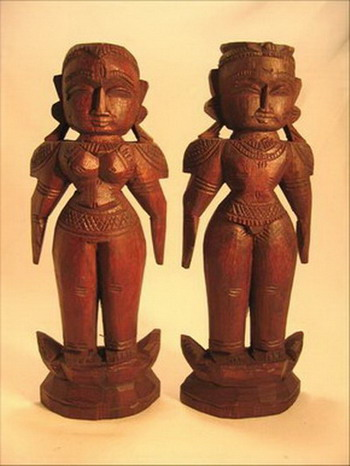 couple de poupées neuves vendues dans les grands temples de l'Inde du Sud