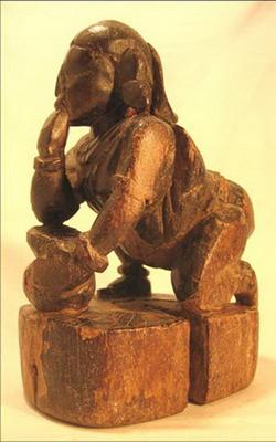 figurine poupee bois antiquite dieu krishna vole le beurre inde