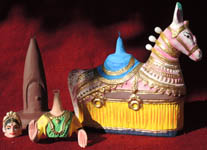 figurine poupée danseuse bollywood cheval papier maché Inde