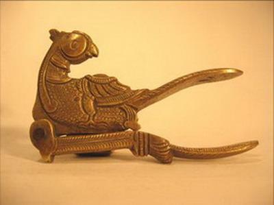 betel ciseaux noix arec forme d oiseau bronze inde