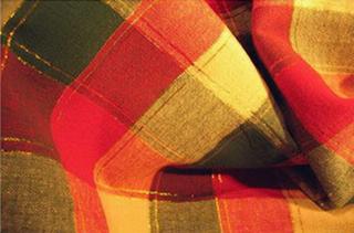 nappe couvre lit carreaux madras coton blanc vert rouge fil or tisse main inde