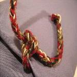 coussin tablier ancien laine tisse main rebrode bouquets decor rayures lien de fermeture bulgarie