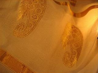sari coton jamdani tisse main blanc or inde