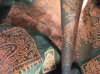 sari coton broche effet chatoyant tisse main bleu or inde