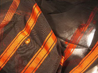 sari soie brodé tisse main noir orange inde