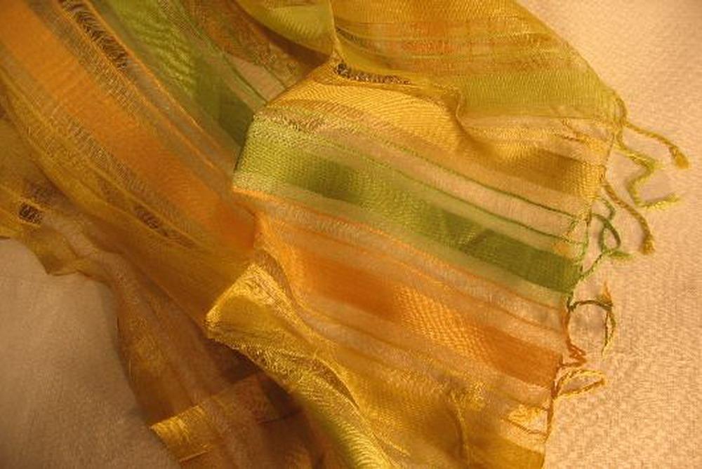 chale soie tisse main rayures ajoure jaune vert inde