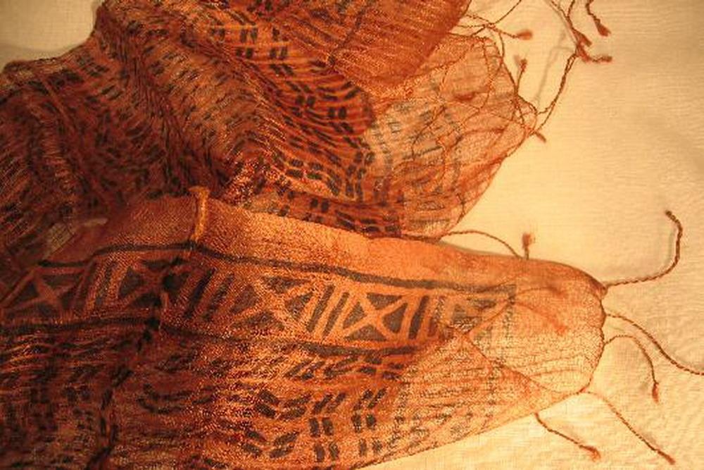 chale soie tisse main imprime geometrique au tampon rose brun kalamkari inde